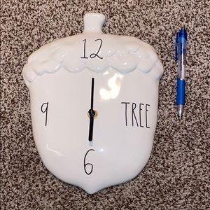 Rae Dunn 2020 Acorn Clock New
